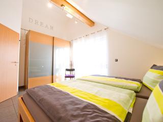 Luxus-Apartment Nr. 2 -Familie Horster in Bensheim - Bensheim vacation rentals