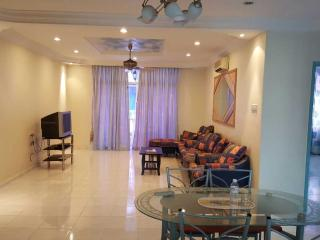3 bedroom House with Balcony in Ayer Keroh - Ayer Keroh vacation rentals