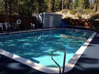 Updated Lake Condo for 6 – Walk to the Beach! - Stateline vacation rentals