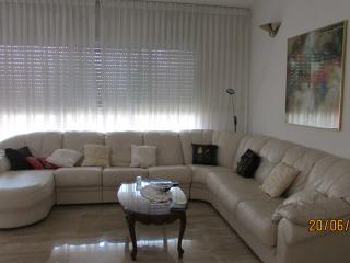 4 rooms apartment in a quiet center of Netanya - Netanya vacation rentals