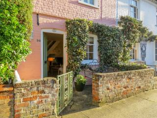 Ivy Cottage, Aldeburgh High Street - Aldeburgh vacation rentals