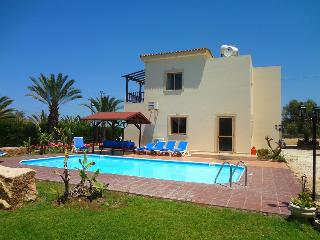Comfortable villa with mature garden, private pool - Argaka vacation rentals