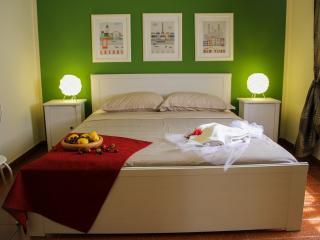Retro Rooms - Cefalu vacation rentals