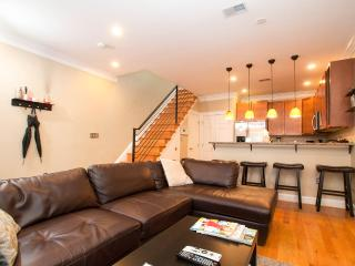 Rhode Island Ave Suites! Great 2BR 2.5 BA Downtown Dc - Washington DC vacation rentals