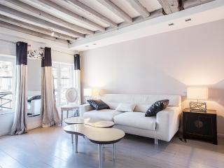 Marais Sicile Duplex - Paris vacation rentals