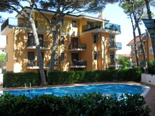 Appartamenti condominio Elite 1 camera - piscina - Eraclea Mare vacation rentals