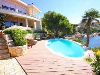 Frontline Villa Ella for 12 - Primosten vacation rentals