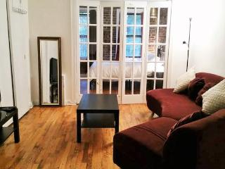 GRAMERCY PARK SPACIOUS 1 BR APT - New York City vacation rentals