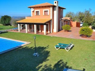 048 A very clean and spacious finca - Santa Margalida vacation rentals