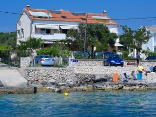 Apartment 2 Luci & Kety LUN,Pag - Lun vacation rentals