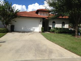 Beautiful 4 Bed / 3 Bath well maintained villa - Clermont vacation rentals
