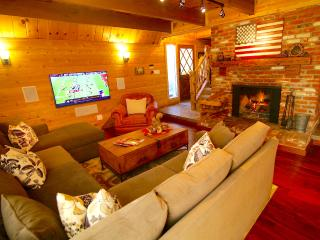 Grass Valley Lodge Includes Lake Passes! - Lake Arrowhead vacation rentals