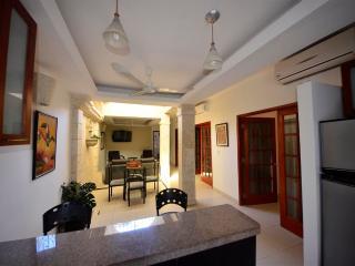 Old City Calle Moneda spacious two bedroom - quiet AC/hot H20/broadband WiFi - Cartagena vacation rentals