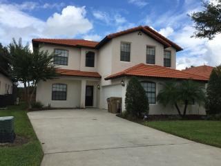Spacious 5 bed Villa on High Grove - Clermont vacation rentals