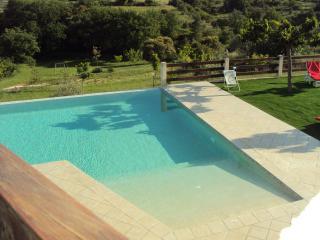 Vaste villa avec piscine entre Gard et Ardèche - Les Mages vacation rentals