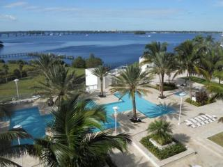 Comfortable Condo with Internet Access and A/C - Fort Myers vacation rentals