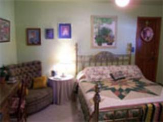 Queen Room, Private Bathroom, Hot Breakfast for 2 - Del Norte vacation rentals