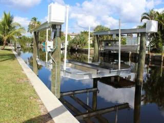 Canal Front Bokeelia Fishing Bungalow - Bokeelia vacation rentals