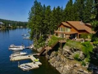 Bear Paw Mountain Lodge | Luxury waterfront - Post Falls vacation rentals