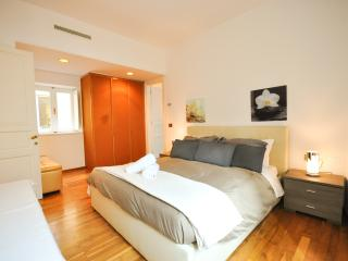 Trevi Fountain Apartment, Arcione - Rome vacation rentals