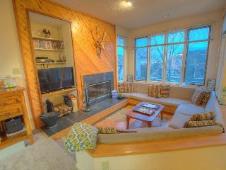 "Welcome to ""Sky View"" - Nellysford vacation rentals"