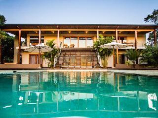 KwaZulu-Natal Modern Villa Near Beach with Large Pool and Outdoor Living, Sleeps 10 - Mtunzini vacation rentals