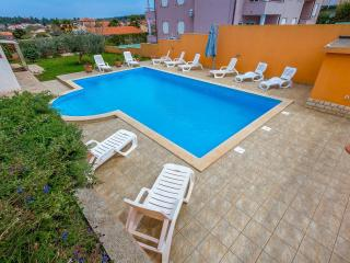 Lovely Condo with Internet Access and A/C - Banjole vacation rentals
