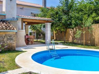 Charming 2 bedroom Muntic House with Internet Access - Muntic vacation rentals