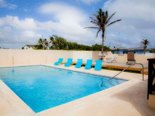 Large 5 bedroom villa, sleeps 10 - Inch Marlow vacation rentals