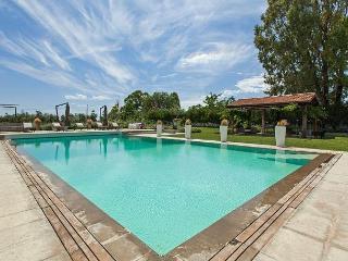 Bright 7 bedroom Villa in Borgo Carige - Borgo Carige vacation rentals