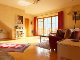 LLAG Luxury Vacation Apartment in Grainau - 840 sqft, exquisite furnishings, inviting, great views (#… - Grainau vacation rentals
