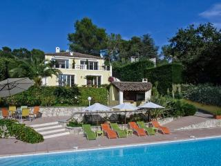 Perfect House with DVD Player and A/C - Roquefort les Pins vacation rentals