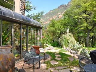 If you think Sedona is unique wait until you arrive at this Distinctive Artists Retreat/Home in beautiful Oak Creek Canyon - West Sedona vacation rentals