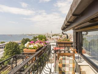 B&B WİTH A SEA VİEW AND BALCONY - Istanbul vacation rentals