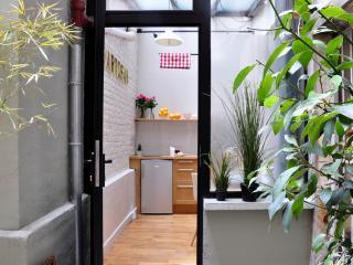 Design MiniLoft Courtyard Marais X2 - Paris vacation rentals