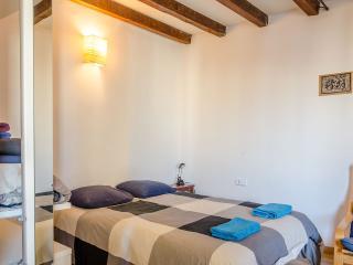 Nice Studio Near El Raval (B234B) - Barcelona vacation rentals