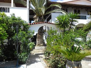 VILLA  MARIA - Chrani vacation rentals