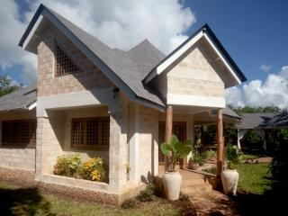 Two bedroom cottage 200 meters from the sea - Diani vacation rentals