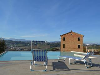 Beautiful 6 bedroom Villa in Loro Piceno - Loro Piceno vacation rentals