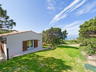 Bungalow immerso nel verde e vista mare - Santa Teresa di Gallura vacation rentals
