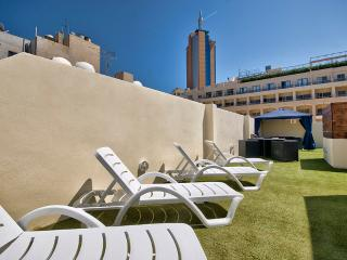Charming, St Julians Apartment with roof terrace - Saint Julian's vacation rentals