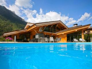 6 bedroom Chalet with Private Outdoor Pool in Chamonix - Chamonix vacation rentals