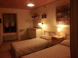 Nice B&B with Internet Access and Short Breaks Allowed - Pont-Saint-Martin vacation rentals