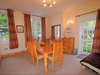 Beautiful Townhouse with Internet Access and Dishwasher - Torquay vacation rentals