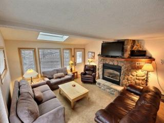 Sunset One-comfort+convenience=joy!-250 yds to Main St/Lift-Bus Stop-CAN'T BEAT - Breckenridge vacation rentals