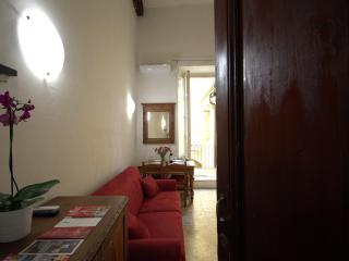 Prestige House at Duomo WIFI - Florence vacation rentals