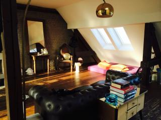 Great Flat! Super Location! Excellent Choice! - Berlin vacation rentals