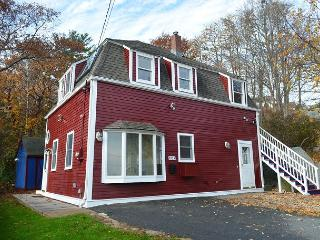 Little Red House: Close to Gloucester's historic Stage Fort Park & beaches - Gloucester vacation rentals