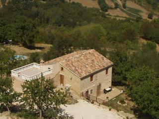 Comfortable 6 bedroom Villa in Gualdo - Gualdo vacation rentals