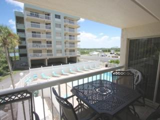 2 bedroom Condo with Internet Access in Indian Shores - Indian Shores vacation rentals